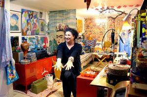 Mias smyckeskammare. Ett eget rum med verkstad där hon skapar återbrukssmycken.