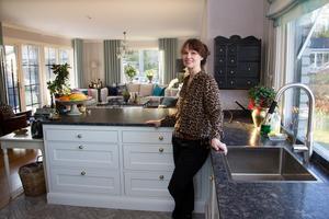 Köket renoverades 2017 och Lotta Bäck är mycket nöjd med resultatet.