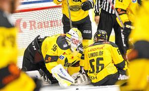 Marcus Dahlbom agerade vägg när VIK besegrade Lindlöven på bortais med 3–0.