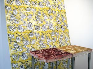 Lisa Englund har skapat vackra blommiga tapeter.