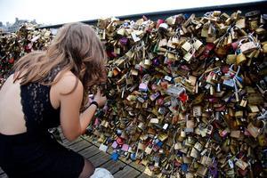 Hänglås vid Pont des Arts i Paris.  Foto: Francois Mori /AP