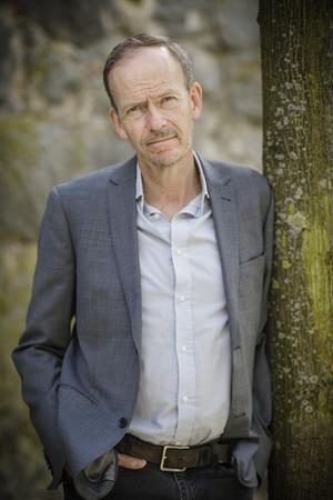 Mikael Kurkiala har skrivit en bok rik på infall och perskeptiv.