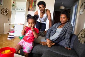 Föräldrarna har fortfarande svårt att förstå att deras dotter klarade sig.