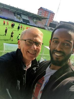 Häromdagen hamnade de på fotbollsmatch på Behrn arena. De fick se KIF Örebro vinna över Växjö med 1–0 i Damallsvenskan. Foto: Privat