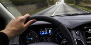 Det finns ett enkelt knep att få ordning på jäktande bilister, menar en insändarskribent.