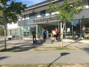 I Brunnsängskolan fick väljarna i valdistrikt Brunnsäng västra rösta. I det distriktet minskade valdeltagandet med 8,3 procentenheter i årets kommunval till 59,1 procent.