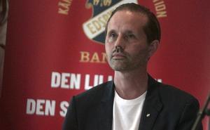 Lars Lindh, tillförordnad ordförande i Edsbyns IF, tog kontakt med Edsbyns Bandyvänner och frågade om de kunde hjälpa till med övergångssumman för Simon Jansson.