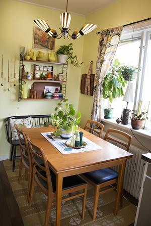 Matplatsen i det gula köket är en retroälskares dröm.