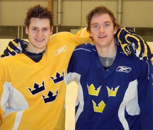 Vintern 2009 blev det JVM-spel, med kompisen Mattias Ekholm, för Oliver.