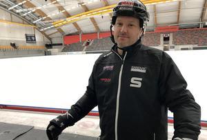 Magnus Muhrén ser fram emot att möta sitt förra lag Villa. Match 1 av 2 i kväll hemma i Sandviken.