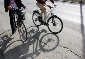 Skribenterna kräver bättre förutsättningar för cykling.