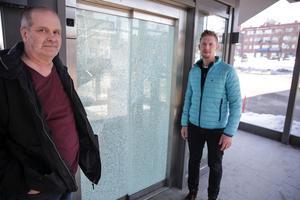 Arne Adolfsson och David Helsing, säkerhetschef respektive säkerhetssamordnare i Ludvika kommun, fick full pott på sin ansökan om övervakningskameror till den utsatta hissen vid gångbron invid resecentrum.