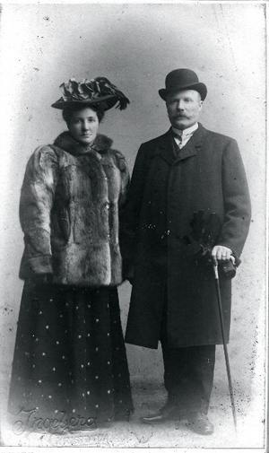 Riksdagsman Täpp Jonas Eriksson och hans hustru Brita.