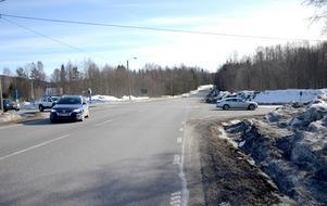 Nu åtgärdas den olycksdrabbade sträckan i Kovland. Bland annat ska en gång- och cykelväg byggas på platsen.