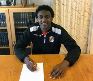 Tyrese Owen har skrivit kontrakt med Ytterhogdals IK för säsongen 2019.