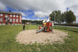Kallbornas egna mandat att påverka skola, fritids, förskola och äldreomsorg kommer försvinna efter kommunfullmäktiges beslut att lägga ner områdesstyrelsen i Kall