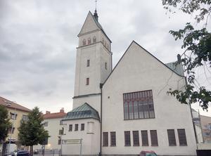 Centrumkyrkan i Falun med 240 medlemmar ligger på Svärdsjögatan och ingår i pingströrelsen.
