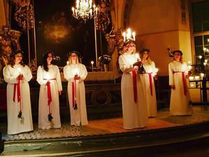 Luciakröningen ägde rum i Kristina kyrka i Sala.