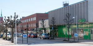 Fastighetsägaren till Konsum- och gallerianhusen (Plåtslagaren 7 och 13) vill bygga bostäder i två plan på taket på fastigheterna.
