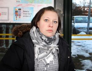 Sofia Larssamils som åker buss varje dag mellan Gävle och Falun råkar ofta ut för förseningar.