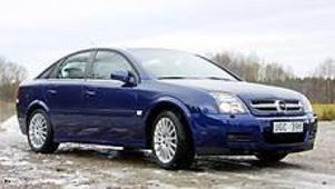 Opel Vectra är numera en riktigt snygg bil. Som kombikupé kallas den GTS och är dessutom synnerligen praktisk.Foto: OLLE HILDINGSON