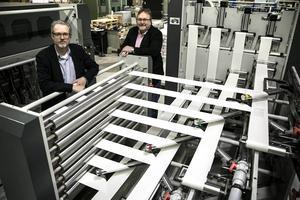 Magnus Breitenstein och tekniske chefen Alf Linder har nu nått 40 procents digital andel med den revolutionerande digitaltryckningsmaskinen