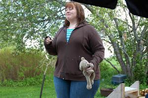 Under större delen av sitt liv har Johanna betraktat sig som överviktig och har alltid ansett att träning har varit tråkigt. Med ett stillasittande arbete har kilon därför lagts till kilon.