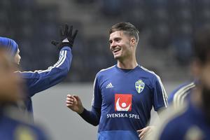 Mikael Lustig är en av de mest rutinerade spelarna i den svenska VM-truppen. Bild: Jonas Ekströmer/TT.