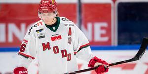Backtalangen Tom Hedberg spelar sitt unga livs bästa hockey nu och hyllas av Björn Hellkvist. Bild: Andreas Sandström/Bildbyrån