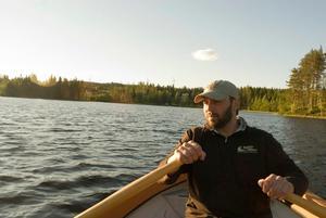 Raven Grandy-Rashap är fiskerikonsulent på länsstyrelsen i Västernorrland. Foto: Linda Thompson