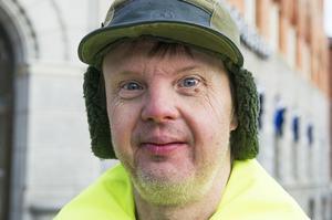 Uno Englund, Örnsköldsvik:– Det bästa är att jag fyller år på vintern, 50 år den 14 december. Och hockeyn förstås, jag brukar mest se Modo spela på tv.