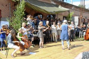 Under flera år hölls en välbesökt Folkmusikfest i Stripa, men i somras blev det ingen.  Karlsson kulturverkstad var en betydande kraft i detta sammanhang. Arkivbild: Michael Landberg
