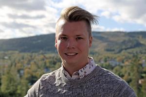 Johan Andersson (C) anser att Trafikverkets planer skulle innebära en kraftig försämring.
