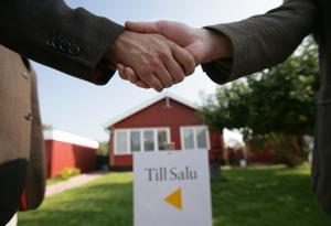 Villapriserna har ökat med 16,7 procent i Leksand under de senaste tre månaderna. Samtidigt visar Mora kommun -15 procent under samma period.