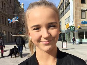 Ebba Persson, 17 år, studerande, Njurunda