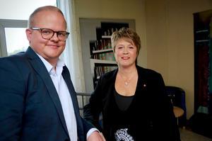 Socialdemokraterna Sebastian Hörlin och Diana Laitinen Carlsson är i opposition i kommunen.