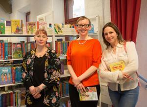 Författarna Anna Hansson, Linn Åslund och Emi Gunér ger alla ut på Rabén & Sjögrens förlag. De har rest runt, bland annat till Sundsvall, och tipsat lärare och bibliotekarier om böcker och hur man inspirerar unga att läsa.