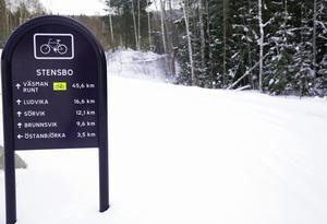 Från Stensbo och ned mot Dröverka är cykelbanan oplogad och så kommer det att förbli, klargör kommunens samhällsbyggnadschef.