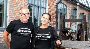 Micke Grann och Maja Åkerman är medlemmar i arrangerande Kulfabriken.