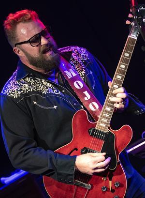 Micke Mojo & The Bedroom Snakes lokal blues när den är som bäst helt enkelt anser vår recensent Johannes Adolfsson.