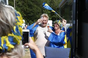 Dagen till ära firade Urban Gunnarsson och Annika Mattsson från Mariestad, 12-årig bröllopsdag innan det var dags att gå till HZ Bygg Arena där GP-tävling snart skulle hållas.