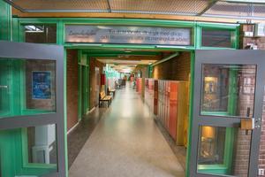 Lugnviksskolan lider av växtvärk. Utbyggnad är ett måste och enligt skolans egen uppskattning nås smärtgränsen för vad lokalerna klarar av hösten 2021.