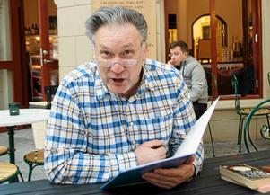 Iso Porovic, regissör och skådespelare i Västernorrland, får ett stort kulturpris och är förstås glad och stolt.