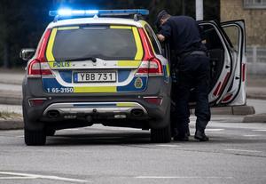 Polis larmades till en lägenhet i Falköping efter larm om personrån. OBS: Bilden är en arkivbild.