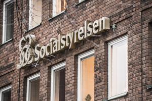 Socialstyrelsen bör ta fram nationella riktlinjer för behandling av sköldkörtelsjukdomar, skriver Anna Bergkvist.