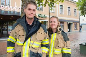 Peter Bäck och Anna Dahlström från räddningstjänsten.
