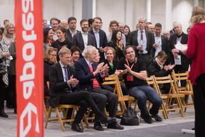 Göran Enander, Anders Wall och Pär Svärdson applåderar under Marie Wiléns tal.