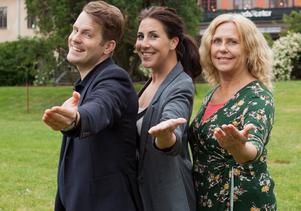 VLT:s Erik Jersenius, Cissi Vangbo och Eija Salminen bjuder in till allsång i Stadsparken den 17 augusti. Välkommen!