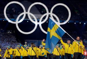 Peter Forsberg ledde den svenska OS-truppen under invigningen i Vancouver 2010.