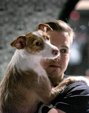 För tre år sedan träffade Malin sin sambo Mattias, som turligt nog gillar hundar. Här tillsammans med Myran.
